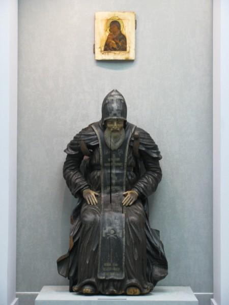 Nil_Stolobensky_statue