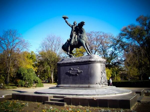 Памятник Суворову в Измаиле. Фото: vk.com