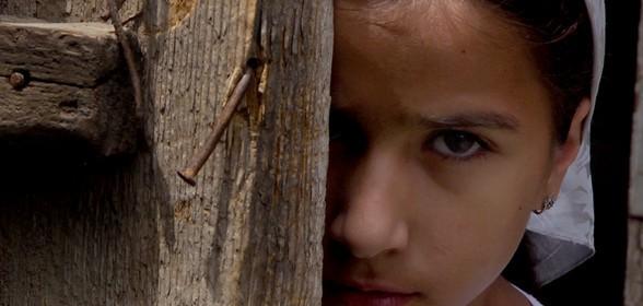 Кадр из фильма «Чеченская семья»