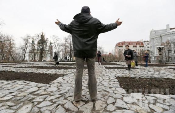 В Киеве восстановленный фундамент Десятинной церкви открыт для прогулок