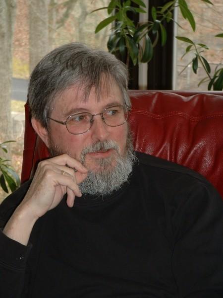 Священник Стивен Фримен