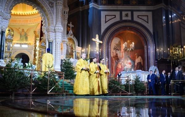 Рождественское богослужение в храме Христа Спасителя в Москве Фото: Владимир Астапкович/РИА Новости