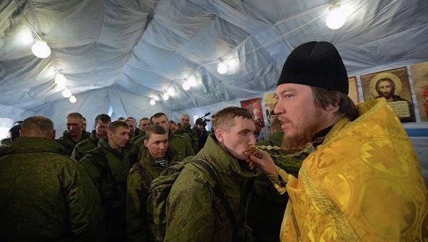 За 15 лет число верующих в армии РФ выросло больше чем вдвое