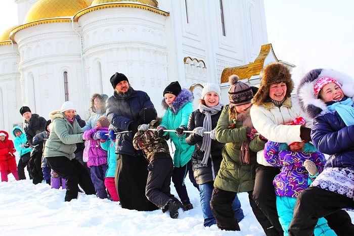 Вертепы, концерты, скульптуры, поделки – Россия готовится к Рождеству (+фото)