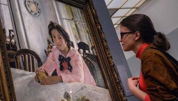 Владимир Мединский заявил, что выставка Серова будет работать до последнего посетителя