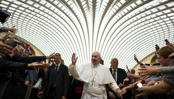 Папа Франциск впервые посетит римскую синагогу