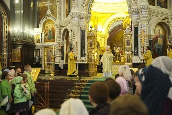 Патриарх Кирилл совершил Литургию для детей в Храме Христа Спасителя (фото)