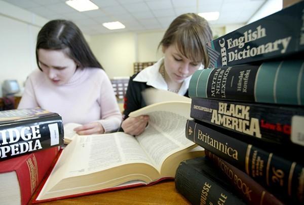 Студенты лингвистического университета Фото: Николай Цыганов / «Коммерсантъ»