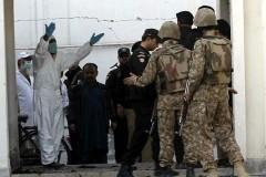 Число жертв нападения боевиков на университет в Пакистане увеличилось до 26 человек