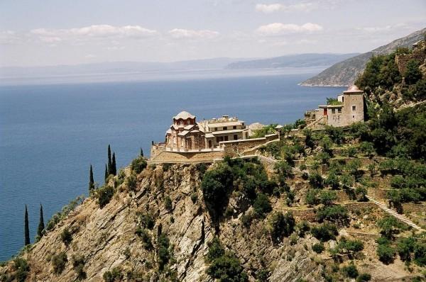 На Афоне оцифруют все монастырские архивы