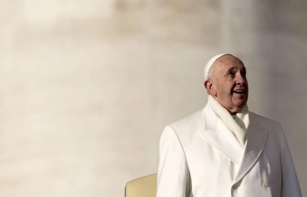 Папа Франциск выпустит первую книгу