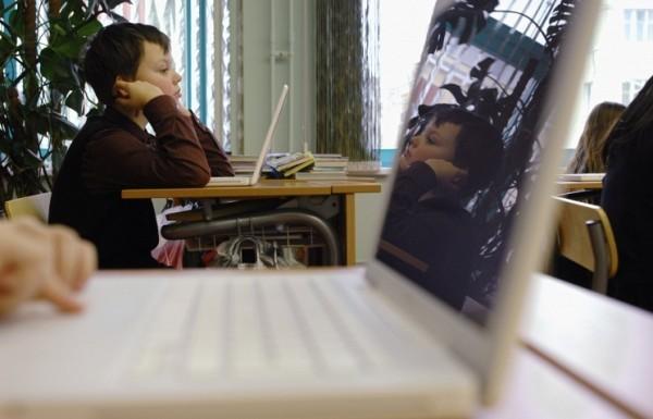 Минобрнауки против ограничения использования гаджетов в школе