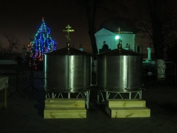 Крещенская вода в Киево-Печерской лавре. Фото: hram-ua.com