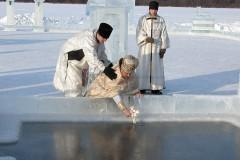 Когда купаться на Крещение – 18 или 19 января?