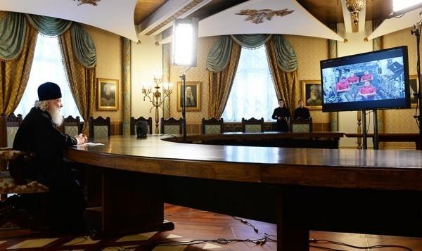 Патриарх Кирилл проведет праздничный телемост с экипажем МКС