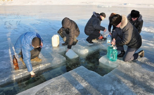 Как нужно употреблять крещенскую воду