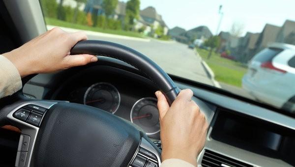 Должников ограничат в праве вождения автомобиля