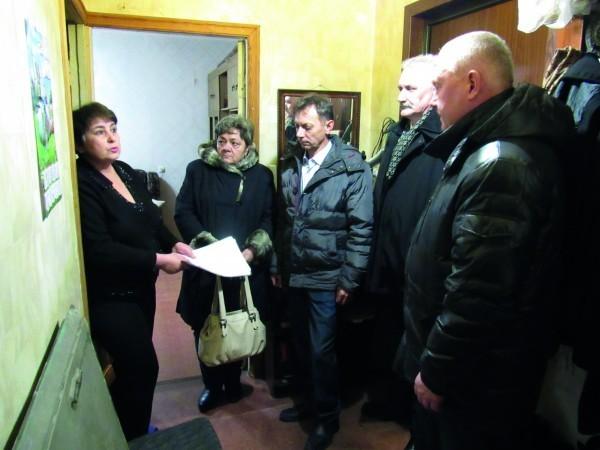 Елена Славинская, Антонина Ларина