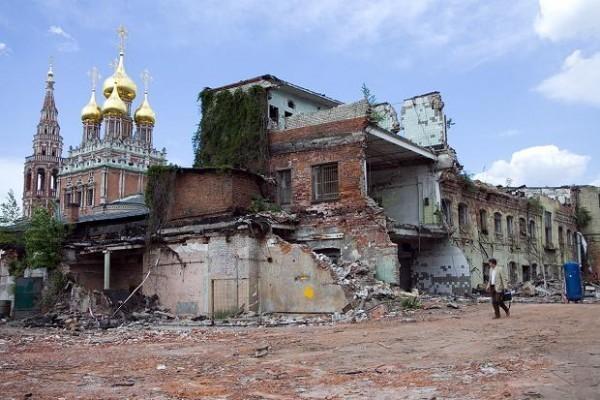 Москвичи собирают подписи за открытое обсуждение застройки Кадашевской слободы рядом с Московским Кремлем