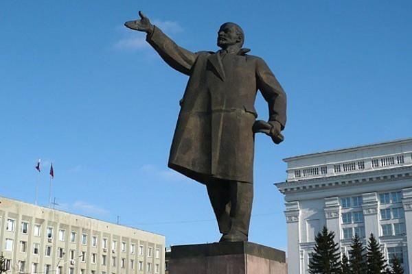 Путин о захоронении Ленина: Не нужно предпринимать шаги, которые могут разделить общество