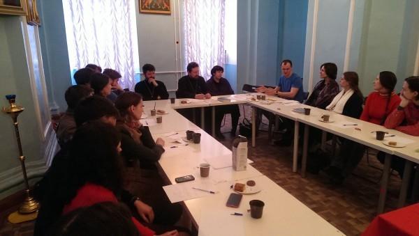 Программа подготовки молодых пар к семейной жизни «Счастье навсегда» проходит в Санкт-Петербургской епархии уже два года