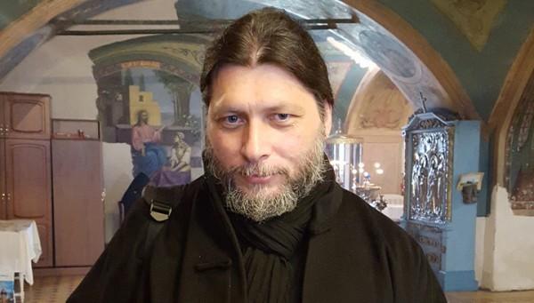 Протоиерей Дионисий Поздняев: На службы мы летаем на самолетах