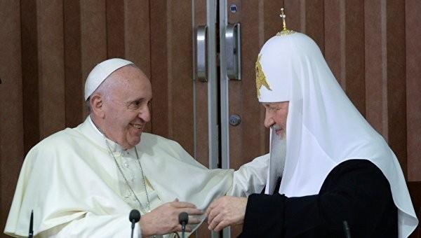 Патриарх Кирилл и Папа Франциск могут провести следующую встречу в Европе