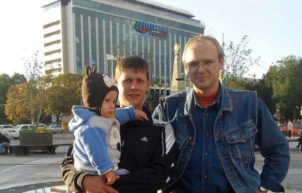 Алексей Буйло (на фото справа)