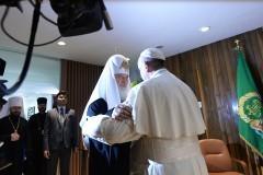 Патриарх Кирилл и Папа Франциск надеются, что их встреча примирит униатов и православных