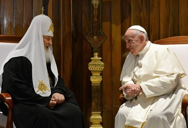 Патриарх Кирилл и Папа Франциск призвали конфликтующие стороны сесть за стол переговоров, а международное сообщество – покончить с терроризмом