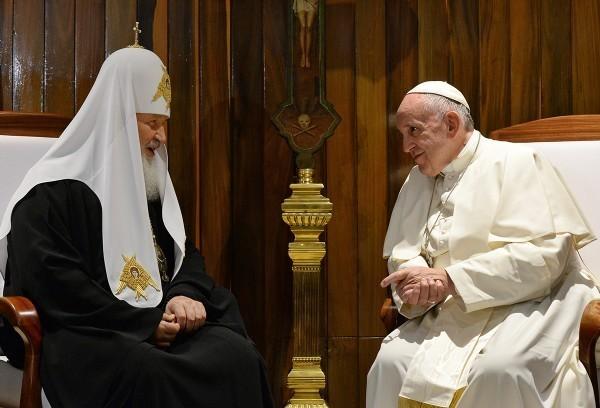 Патриарх Кирилл и Папа Франциск призвали стороны конфликта на Украине к благоразумию и миротворчеству