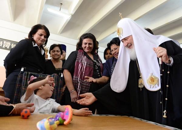 Патриарх Кирилл посетил реабилитационный центр для детей на Кубе (+фото)