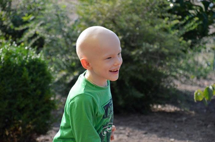 Как жители Германии помогают Ване из России победить рак