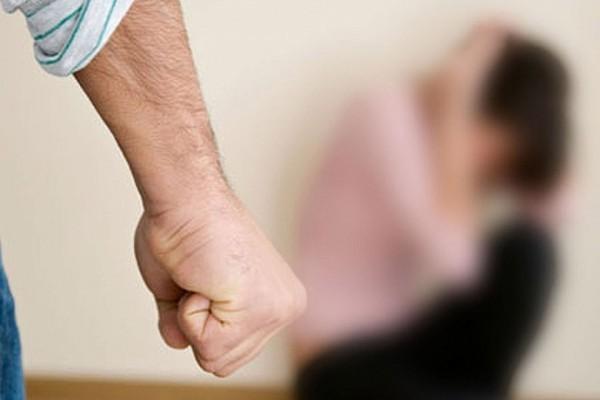 """Священник Александр Пикалев: """"Ломать жену об колено?"""""""
