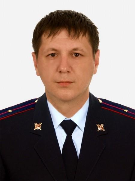 Полицейский в Смоленской области вызволил из горящей квартиры больную женщину
