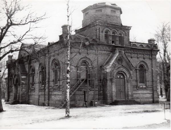 Обезглавленный в советское время храм Александра Невского