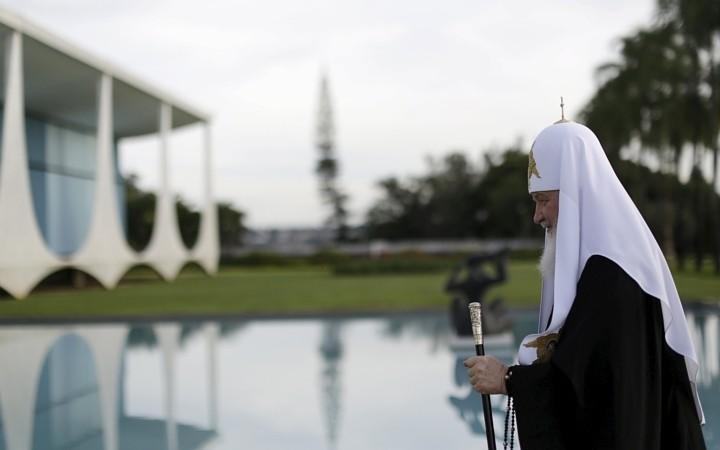 Президент Бразилии угостила Патриарха кокосовым молоком