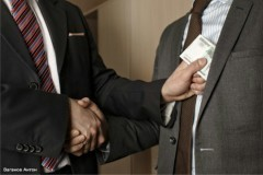 «Клянусь не дружить с бизнесменами»: У чиновников может появиться антикоррупционная присяга