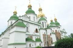 Верующие УПЦ призывают не отдавать раскольникам трапезную Софии Киевской