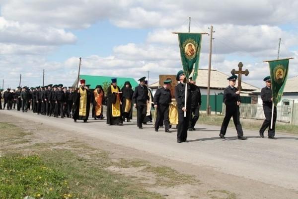 Крестный ход на границе с Казахстаном