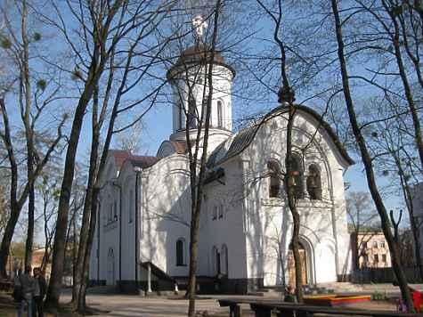 В 2007 году отец Андрей взял в свое подчинение строящийся храм Святителя Луки Крымского. Фото: panaramio/ Sveta BSveta