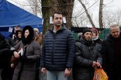 Актер Дмитрий Певцов спел для бездомных