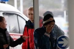 Четыре священника оказывают помощь родственникам погибших в аэропорту Ростова-на-Дону
