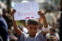 Мир поддерживает бельгийцев плакатами и хэштегами