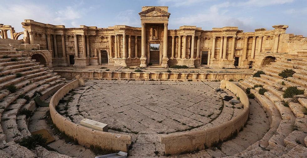 Здесь были варвары. Как выглядит освобожденная Пальмира