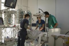 Врач отделения нейрореанимации: Постоянное присутствие родственников в палате может парализовать работу отделения