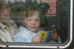 Органам опеки запретят забирать детей из семей без суда