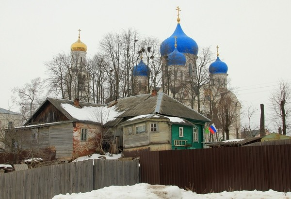 Николо-Пешношский монастырь в селе Рогачево