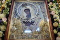 30 тысяч москвичей поклонились иконе «Умиление»