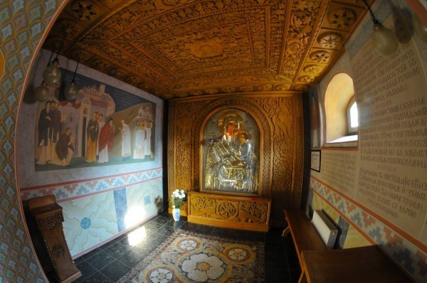 Икона Божией Матери «Скоропослушница» в Киевском Архангело-Михайловском Зверинецком монастыре